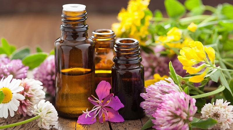 Zastosowanie eterycznych olejków naturalnych w kosmetyce. Źródło fotografii: www.walmart.ca.
