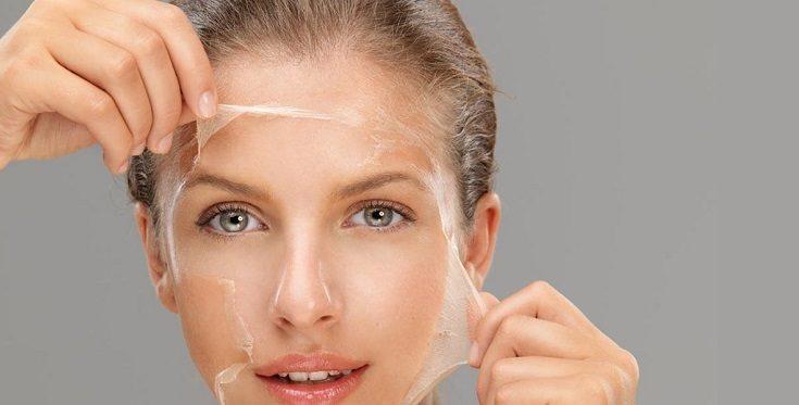 Domowy peeling skóry twarzy. Fot.: stampos.gr.