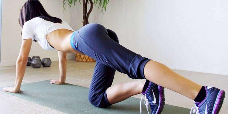 Skuteczne ćwiczenia na jędrne, szczupłe uda i pośladki. Fotografia: fitbodybuzz.com.