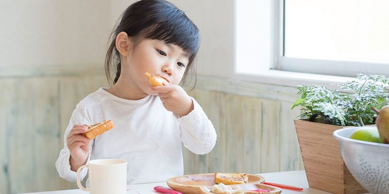 Nietolerancja glutenu u dzieci. Fotografia: www.childrens.com.