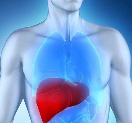 Objawy i przyczyny marskości wątroby. Fotografia: internapcdn.net.